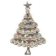Beautiful Vintage Signed AVANTE Rhinestone Christmas Tree Pin