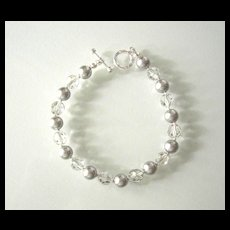 Beautiful Gray Swarovski Pearl/Crystal Bracelet