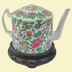An Early Chinese Famille Rose Export Porcelain Teapot, 1780-1820