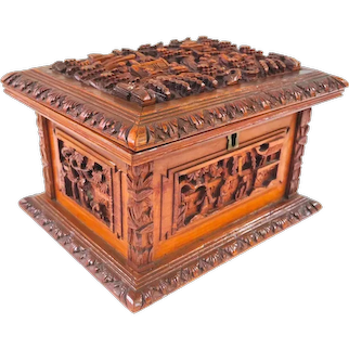 An Excellent Well Carved Antique Chinese Tea Caddy