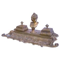 An Elegant Antique Double Figural Inkwell / Inkstand