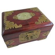 An Excellent Petite Serpentine Mounted Chinese Jewelry Box