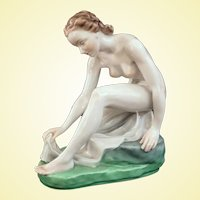 Outstanding Vintage Herend Porcelain Bathing Nude