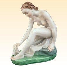 Outstanding Vintage Herend Porcelain Bathing Nude