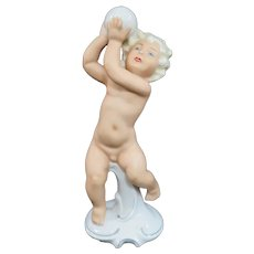 Vintage German Schaubach Kunst Wallendorf Putto Cherub With Ball