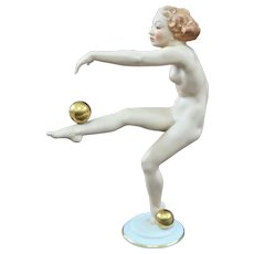 Exquisite Hutschenreuther Selb Art Deco Porcelain Nude Ball Dancer