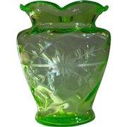 Spectacular Large Elegant Depression Glass Wheel Cut Uranium Vase
