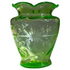 Spectacular Large Elegant Depression Glass Wheel Cut Uranium Vase
