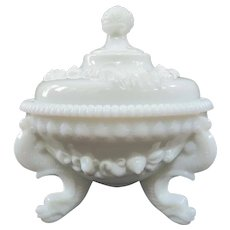 Vintage Westmoreland Glass Argonaut Shell Three Footed Candy Dish