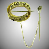 Victorian gold tone oval Brooch with safety pin