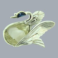 Signed Hollycraft figural swan Brooch