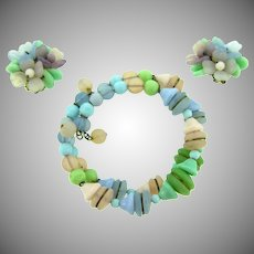 Fabulous vintage all glass pastel shades memory wire Bracelet and clip back Earrings