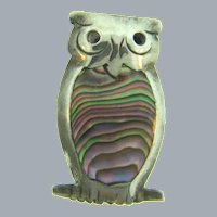 Marked 925 Taxco Mexico vintage figural owl small Scatter Pin with abalone insert