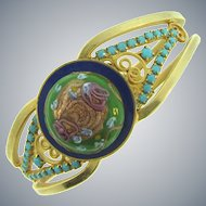 D&E Juliana clamper Bracelet with large gold tone fluss cabochon