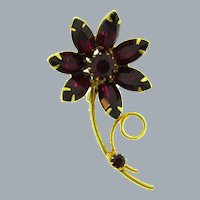 Vintage flower Brooch with dark red rhinestones