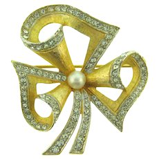 Signed Weiss gold tone Brooch with crystal rhinestones and imitation pearl