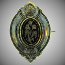 Early vintage Brooch with floral design