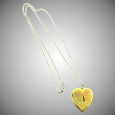 Vintage 1950's gold tone heart shaped Locket Necklace