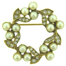 Vintage small circular open Brooch with imitation pearls and crystal rhinestones