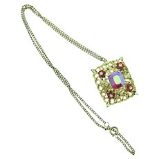 Vintage floral pendant Necklace with red and crystal rhinestones