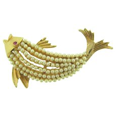 Signed Coro figural fish Brooch with imitation pearls and pink rhinestone