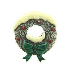 Signed JJ Christmas wreath Brooch with enamel