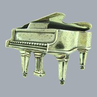 Signed Beau sterling figural grand piano Brooch
