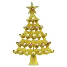 Signed MYLU vintage Christmas tree Brooch with AB and imitation pearl ornaments