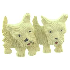 Vintage Book Piece early plastic Scottie dog Brooch with moveable heads