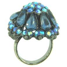 Vintage fashion Ring with blue rhinestones