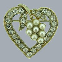 Vintage heart shaped Brooch with crystal rhinestones and imitation pearls