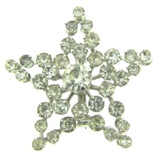Vintage dimensional star Brooch with crystal rhinestones