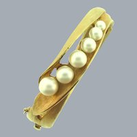 Vintage hinged bangle Bracelet with imitation pearls