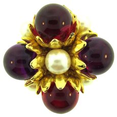 Vintage gold tone square Brooch with imitation pearls and red and purple beads