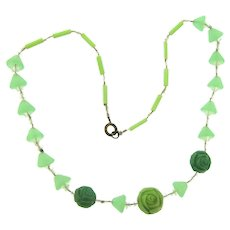 Vintage Art Deco choker Necklace with green and crystal glass beads