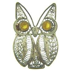 Cute vintage silver tone filigree figural owl Brooch with rhinestone eyes