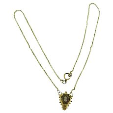 Vintage gold tone chain Necklace with small cameo