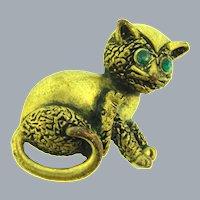 Vintage gold tone figural cute cat Brooch with green rhinestone eyes