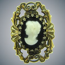 Vintage gold tone with glass cameo