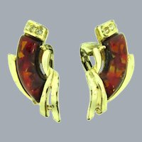 Signed Coro comma shaped red thermoset tiles clip-on Earrings