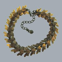 Vintage mid Century choker Necklace with copper overlapping leaves