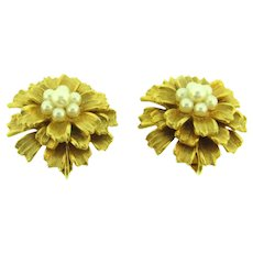 Vintage clip-on floral Earrings with faux pearls