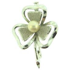 Vintage shamrock Brooch with imitation pearl