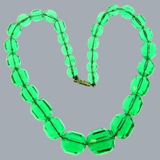 Vintage Art Deco faceted glass green bead choker Necklace