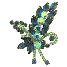Vintage D & E Juliana rhinestone Brooch in blue tones
