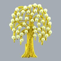 Vintage figural tree Brooch with faux pearls