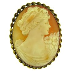 Vintage lovely shell Cameo in gold tone frame