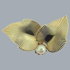 Vintage double leaf Brooch with genuine pearl