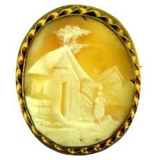 Vintage large scenic Cameo in gold tone rope frame