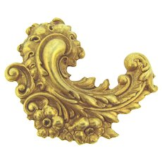 Vintage Baroque style gold tone repousse Brooch